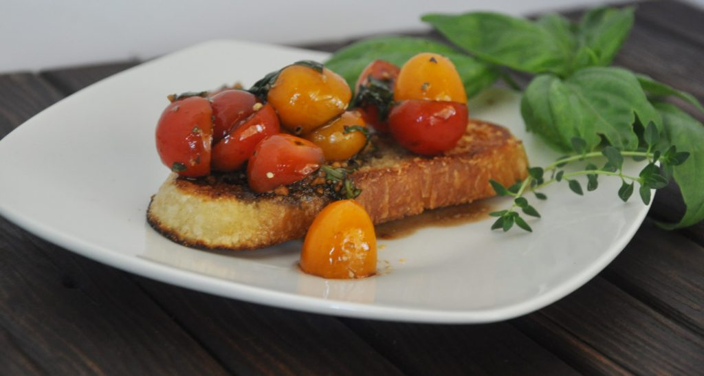 herb marinated tomato crostini