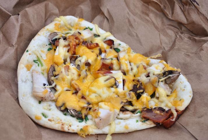 chicken bacon mushroom flatbread from DailyRation.net