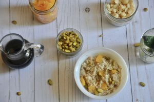 maple cayenne oatmeal with oranges and pistachios 1